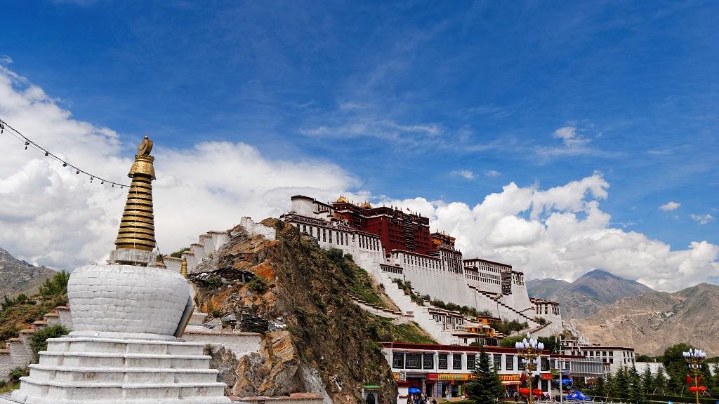 Letní Chengdu, Lhasa, Kunming či Guilin z Prahy od 11981 Kč