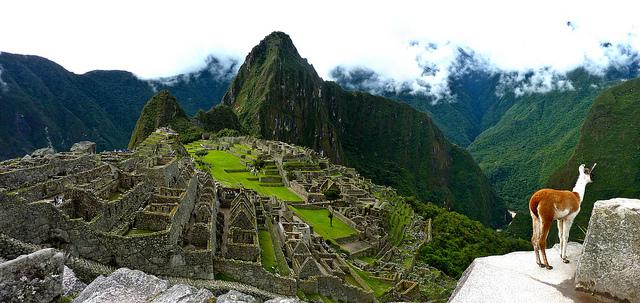 Peru z Madridu s návratem z Kolumbie či Panamy do Londýna