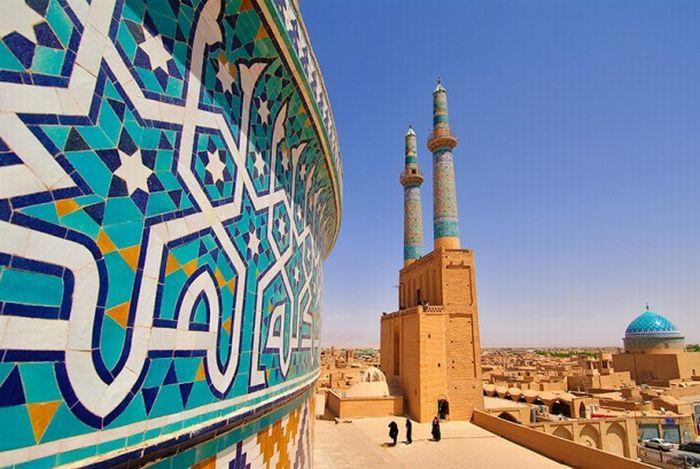 Írán, Kazachstán a Dubaj z Prahy v Business Class od 5713 Kč