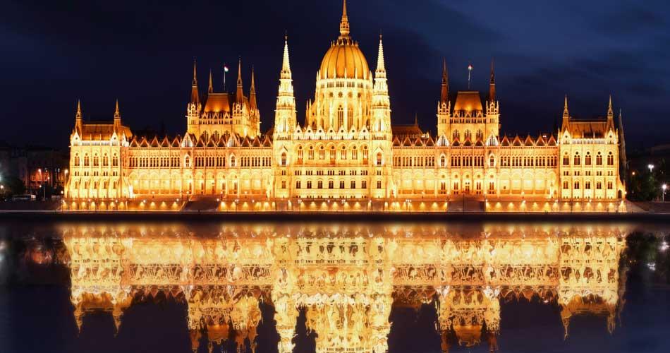 Předvánoční Budapešť z Prahy za 518 Kč