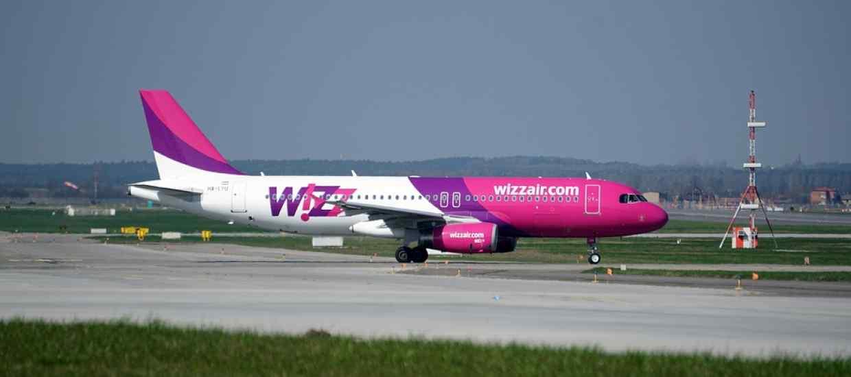 the-plane-2218601_960_720_wizz.jpg