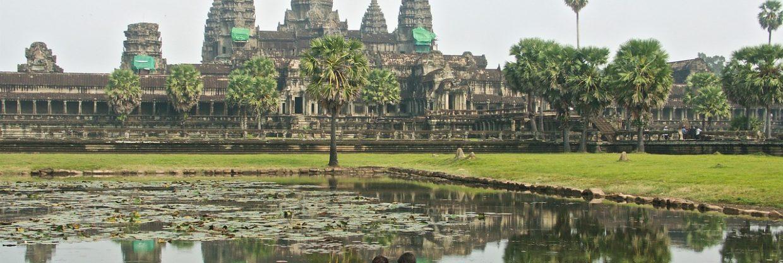 Kambodža z Londýna za 10 584 Kč
