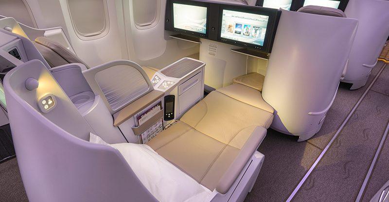 Business class za půlku – z Athén do Indonésie – 19 467 Kč