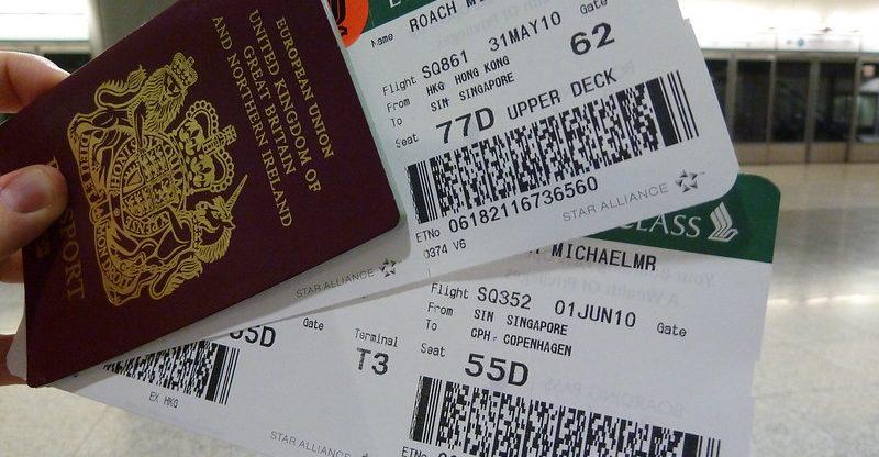 Voucher na letenku místo peněz také od aerolinek