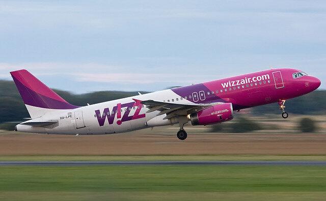 Wizz Air výrazně škrtá v zimní letovém řádu z ČR