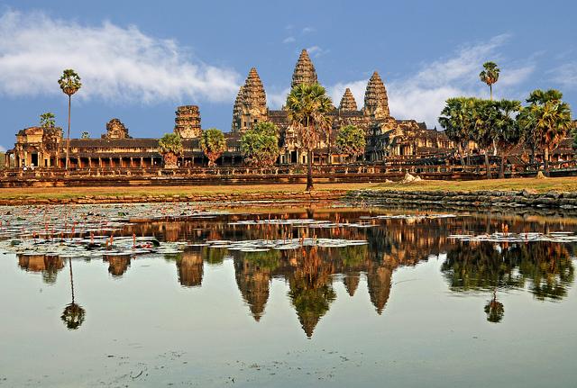 Kambodža včetně letních prázdnin – 11493 Kč