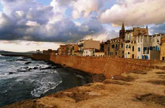 Sardinie – Alghero – Ryanair – 824 Kč