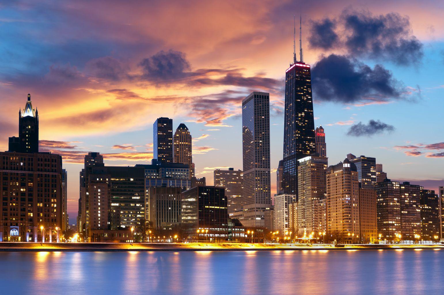 Chicago – 8008 Kč, New York – 8083 Kč