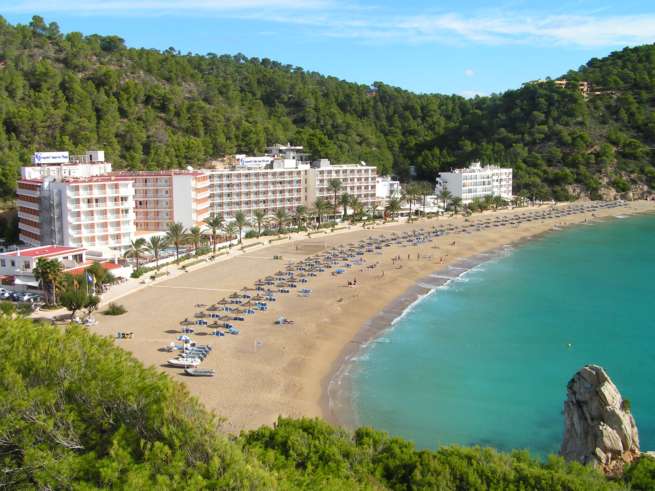Ibiza – Ryanair – od 1561 Kč (duben – červenec)