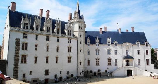Francie – Nantes – Volotea – 1 429 Kč