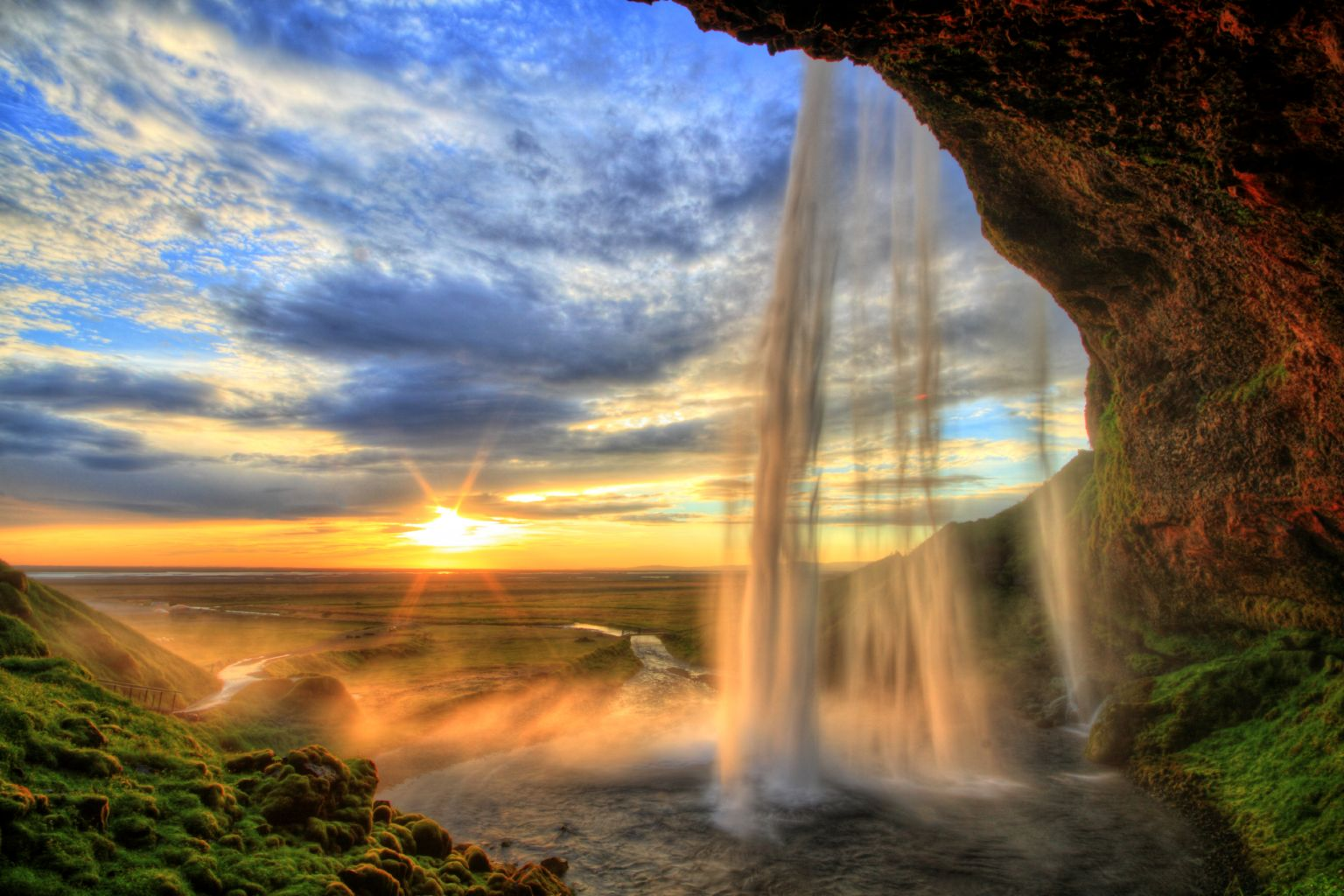 Island – 3 903 Kč